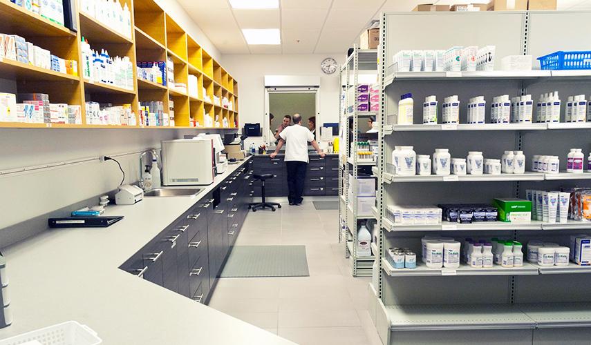 pharmacie et laboratoire